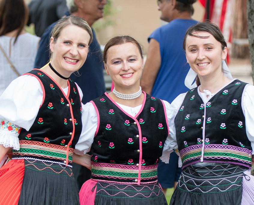 Czech & Slovak Annual Lawn Programs 2015-44-XL
