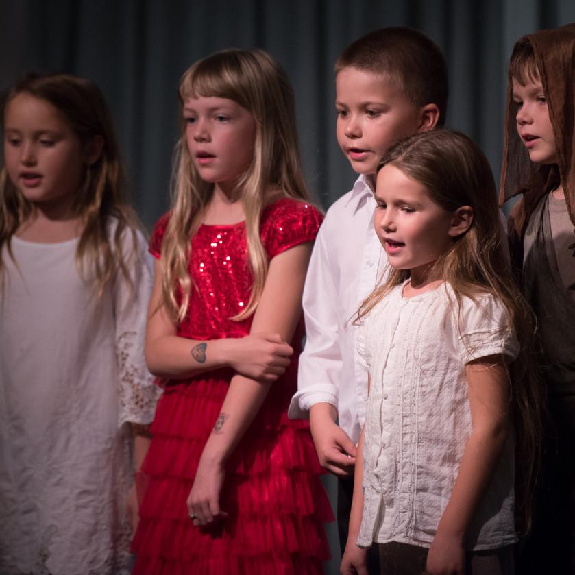 Children singing a Mozart song 1