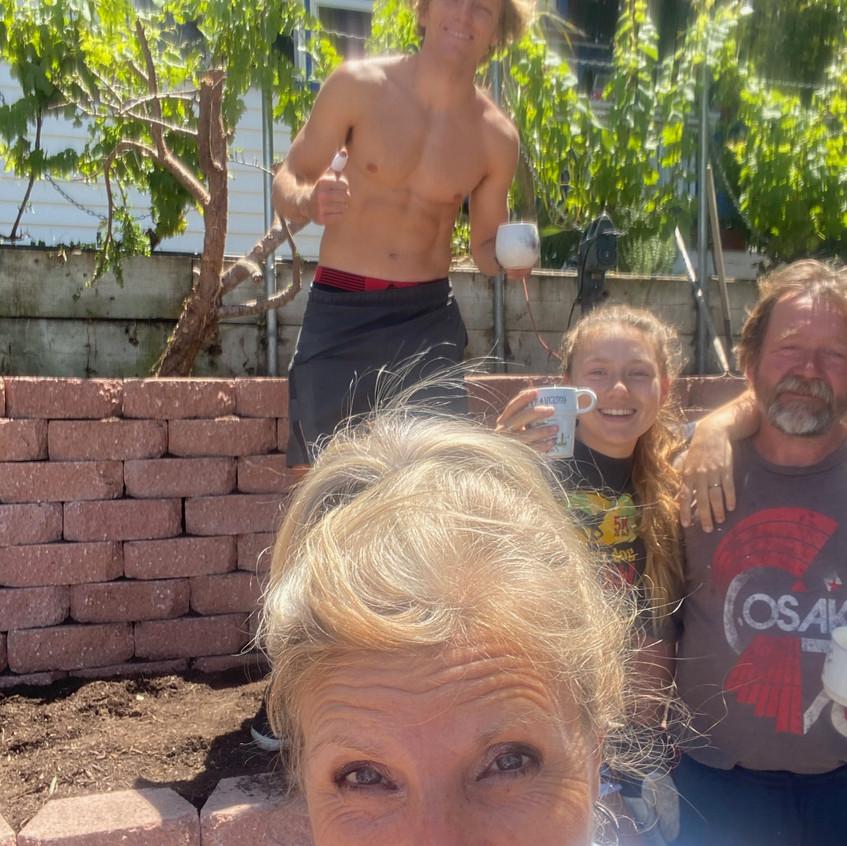 rodina se zahradou-family - 13
