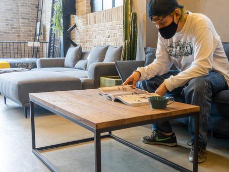 木の癒しを感じるリビングルームに。オシャレなセンターテーブルおすすめの3台を紹介。尼崎店より。
