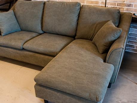 リビングでゆったり座ってくつろげるオススメのカウチソファ6選をご紹介!ウンコちゃんの家具屋さんセレクトのオシャレソファ!『尼崎店』
