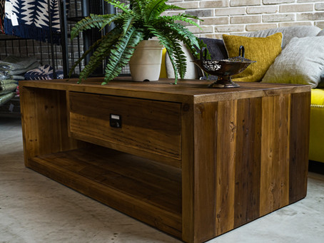 あなたの理想のコーヒーテーブルの選び方!さまざな材質や形からオシャレで使いやすい一品を見つける方法