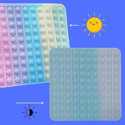 POP IT- מאה בועות ומשנה צבעים בשמש
