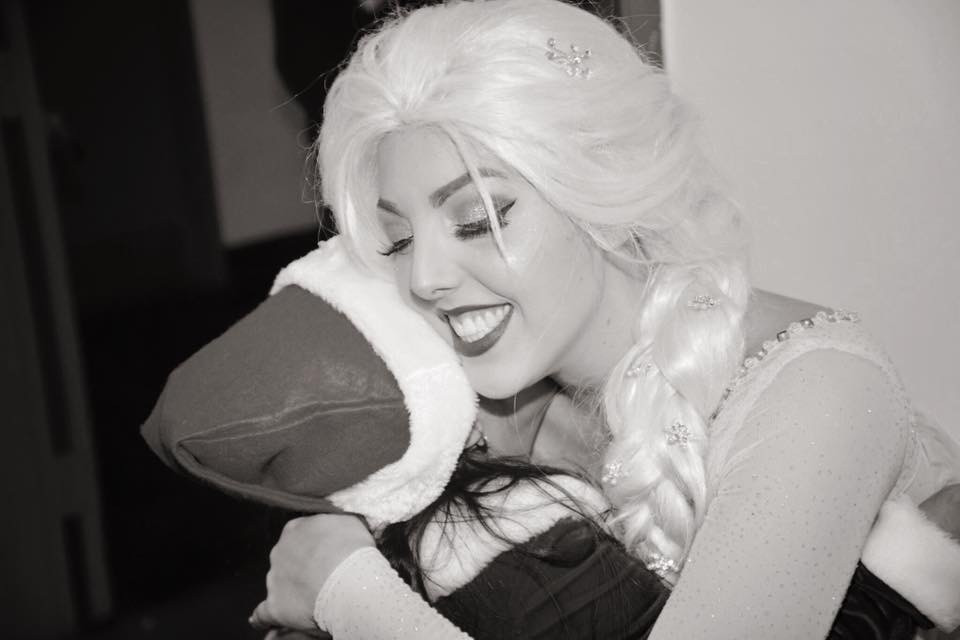 Elsa Hugs