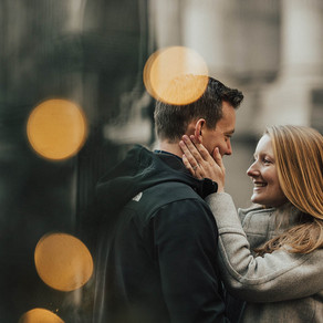 Downtown Philadelphia Engagement / Carolyn & Tommy / By Jami