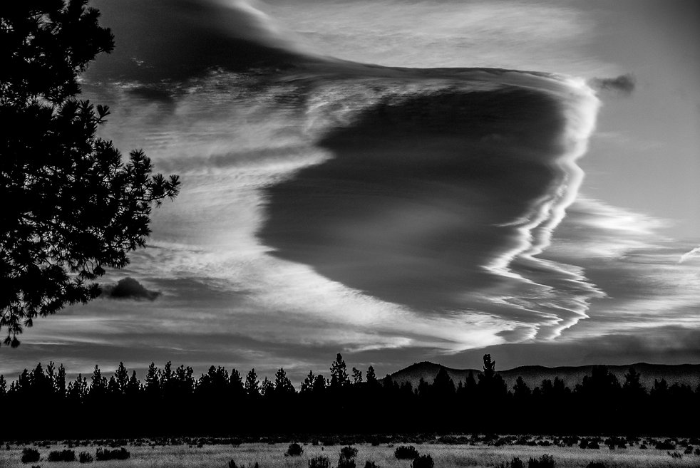 amazing winter cloud formation in central Oregon