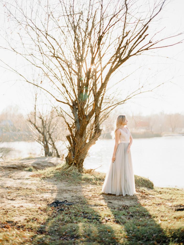ELENA  AT  THE LAKE