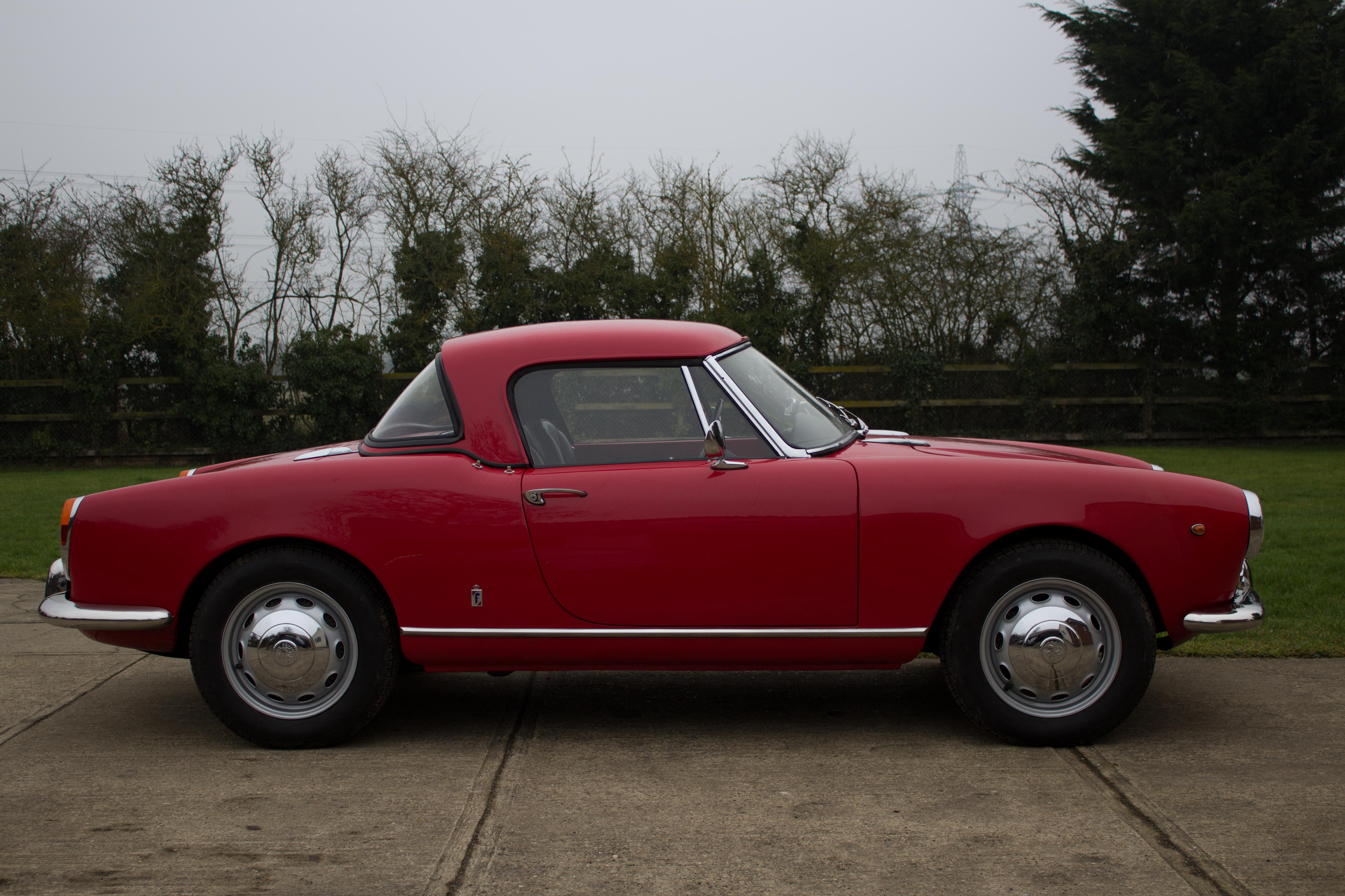 Alfa Romeo 101 Series Spider