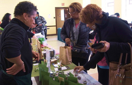 Lori Watts-Branch, Owner of SenTEAmental Moods at a Faith in Place Winter Farmers Market.