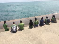 Eco-Ambassadors enjoy the sunshine by Lake Michigan