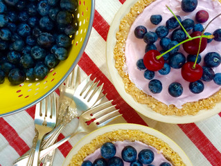 Raspberry Greek Yogurt No-Bake Tart