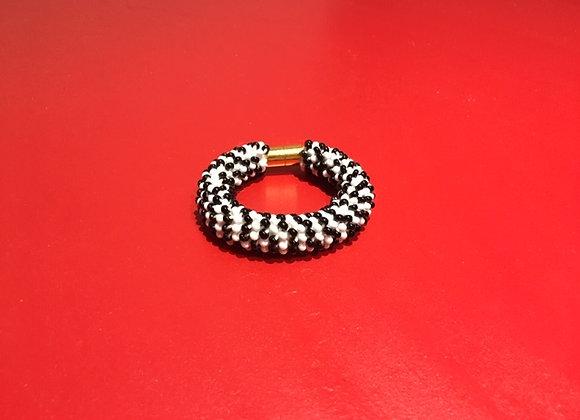 Bracelete Jbead preto e branco