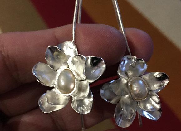 Brincos pingente flor 5, com perolas biwa