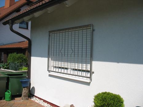 Fenstergitter aus Edelstahl
