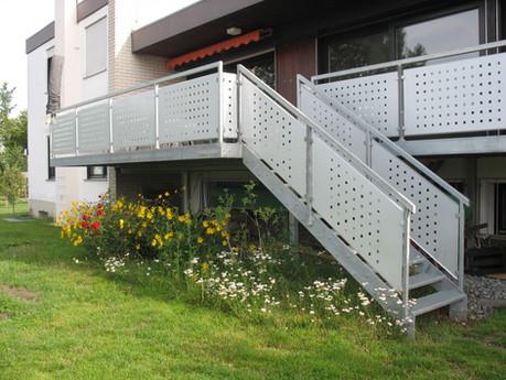 Balkonerweiterung und Gartentreppe