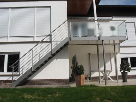 Balkon mit Treppenaufgang