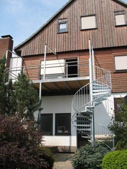 Balkon mit Wendeltreppe