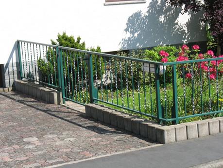 Zaun, verzinkt und lackiert