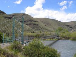Yakima River at Umtanum Creek trail bridge 05-07-11 Raines 7716