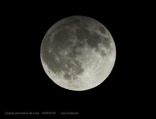 Imágenes del eclipse parcial de luna del 16/09/2016