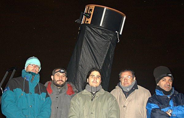 Todo abrigo puede ser poco en una observación astronómica...