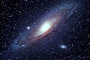 Andromeda rises (Andrómeda se alza)
