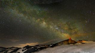 La Vía Láctea sobre el observatorio Mojón del Trigo