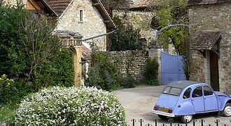 citroen-2-in-french-village.jpg