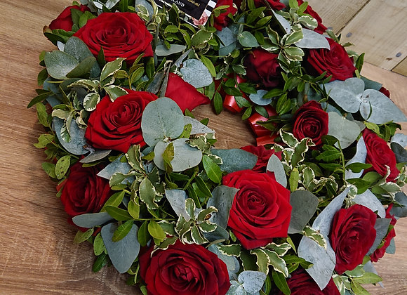 Red or White Rose wreath