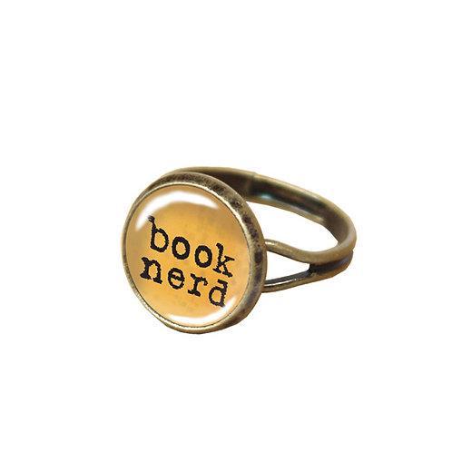 Book-Nerd-Ring, ocker