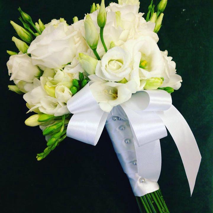 bouquet sposa total white