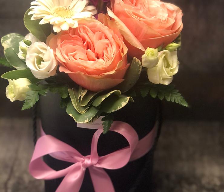 Cappelliera alta con boquet di rose ingl