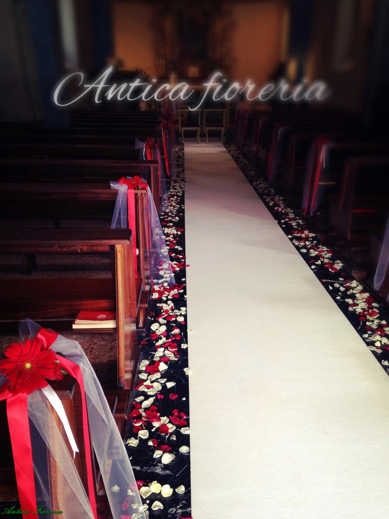 navata bianco e rosso