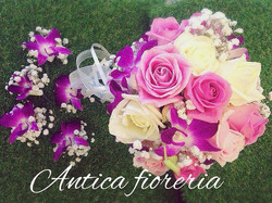 #bouquet #matrimonio #weddingflowers #roserosa #orchidee #bouttoniere #anticafioreriaaosta #wonderfu