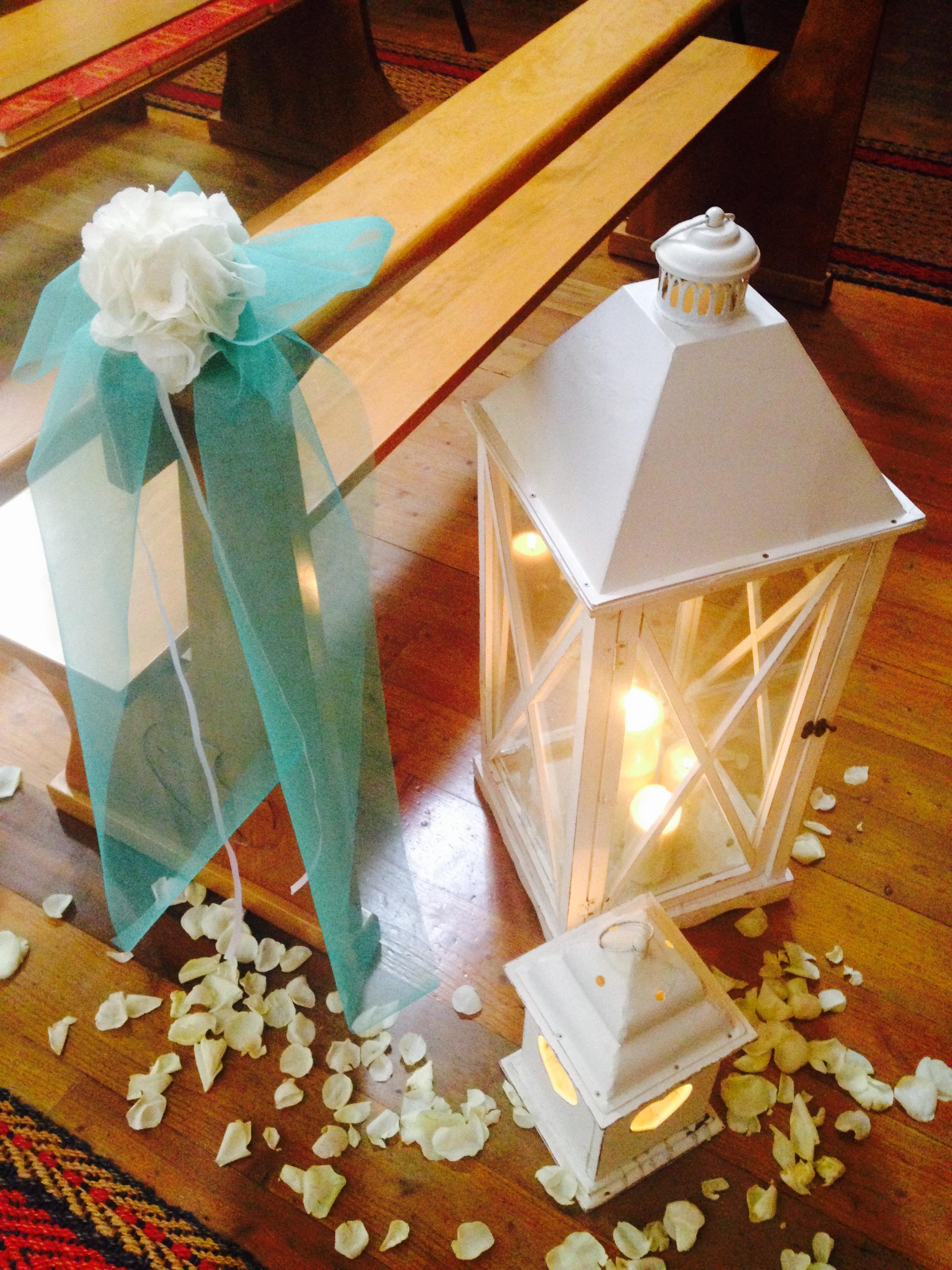 ingresso navata con lanterne