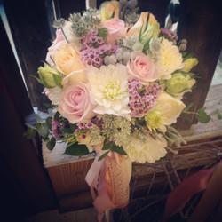 bouquet sposa dalie e rose