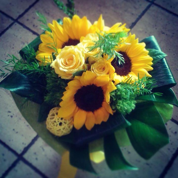 #anticafioreriaaosta #bouquet #rose #flowerstagram #flowerslovers #flowerboutique #girasole #sunflow
