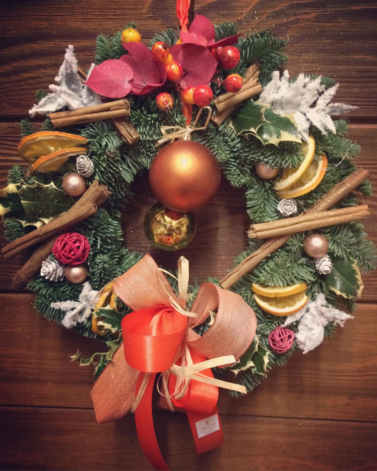Ghirlanda per porta natalizia