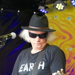 Neil Young Mirror band (27).jpg