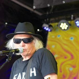 Neil Young Mirror band (28).jpg