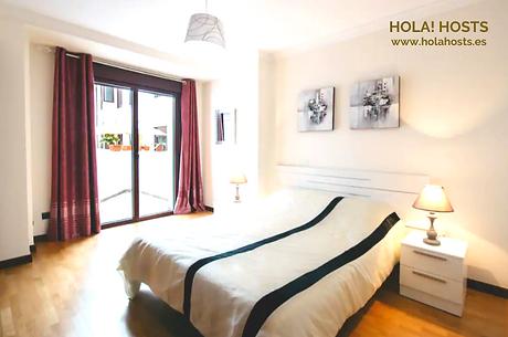 HOLA! HOSTS www.holahosts.es.png