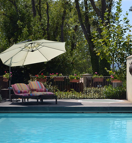 provence-paradise_post_0001_PP-Pool_0000