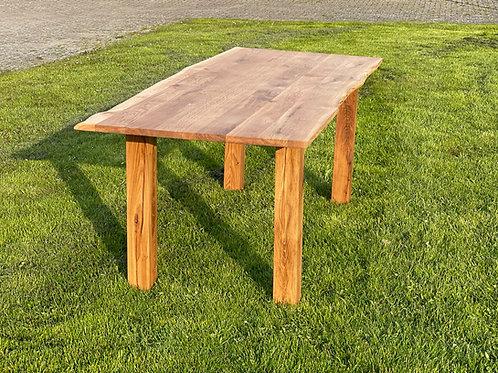 Eichenholz Esstisch mit Baumkante geölt