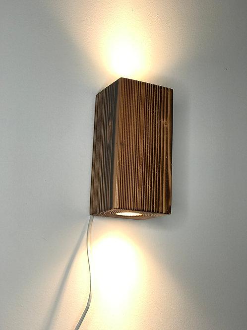 Wandlampe Lärche geflammt 12cm x 12cm x 25cm