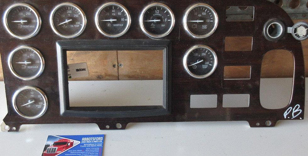 Peterbilt 389 Dash Panel (2014) | OEM #: S64-6024-540
