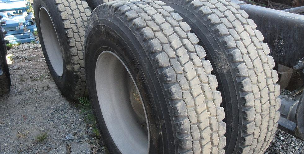 22.5 Roadlux Tires & Rims
