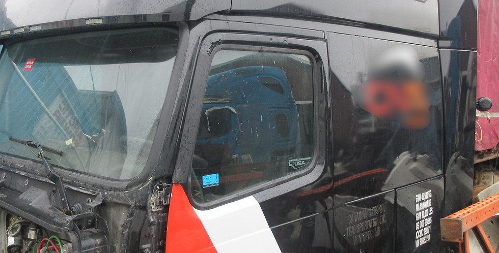 Volvo VNL Cab (2014)