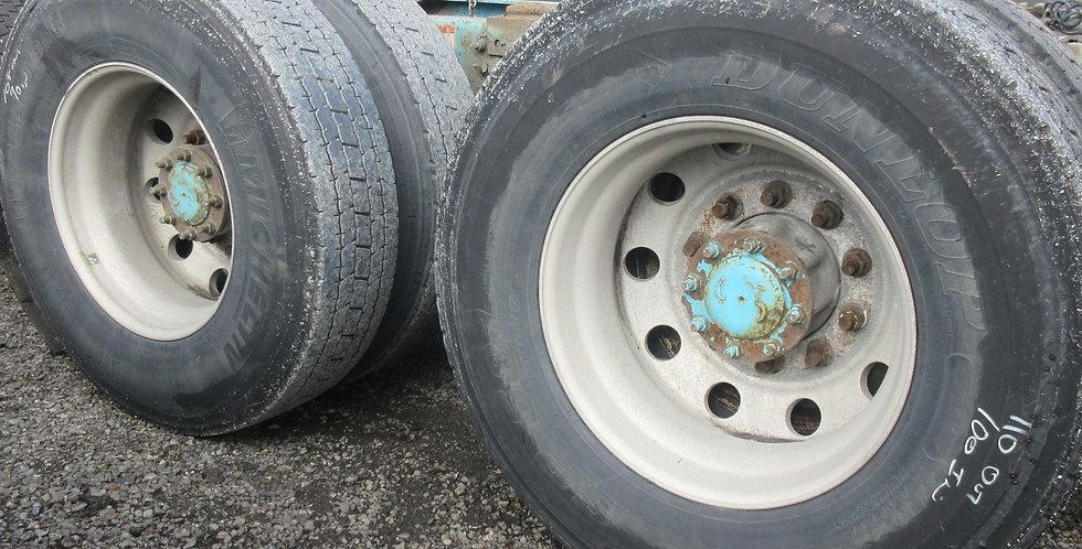 11R 22.5 Tires & Rims