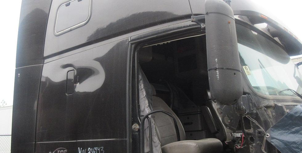 Volvo - Black (2000)