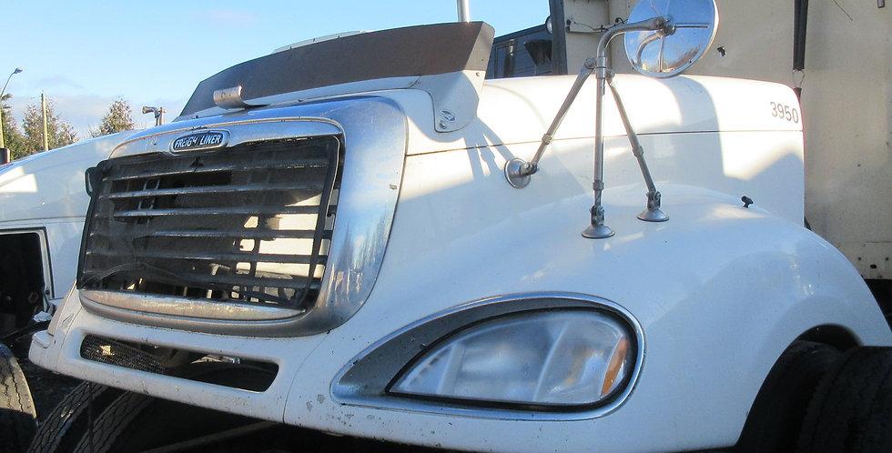 Freightliner Columbia Hood (2004)